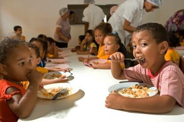 Crianças de Dracena (SP), Rubiataba (GO) e Orizânia (MG) agradecem