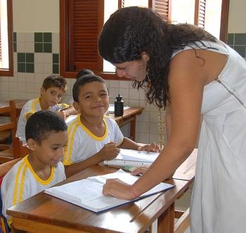 Esturtura escolar adoece professores