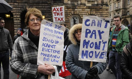 """Ingleses protestam contra o """"imposto do dormitório"""""""