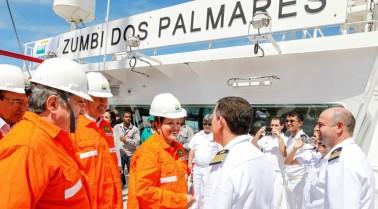 Dilma batiza petroleiro Zumbi dos Palmares
